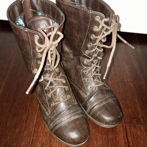 Youth Tall Brown Lace-Up Boot Size 3